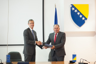 Bosnia and Herzegovina's Minister of Security, Dragan Mektić, and Europol's Director, Rob Wainwright, signed today an agreement